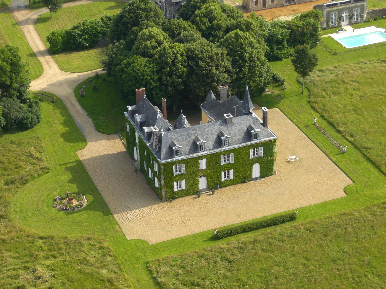 Chateau Des Lutz Chambres D Hotes En Mayenne